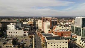 Sobre horizonte urbano céntrico del centro de ciudad de Allentown Pennsylvania almacen de video