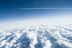 Sobre las nubes Imagenes de archivo