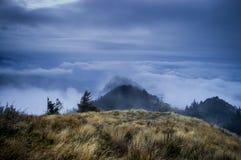 Sobre las nubes Fotos de archivo libres de regalías
