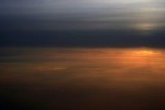 Sobre las nubes, puesta del sol Foto de archivo libre de regalías