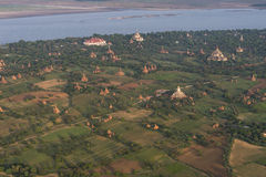 Sobre los templos de Bagan imagen de archivo libre de regalías