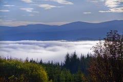 Sobre a montanha Fotografia de Stock Royalty Free