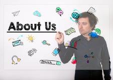 Sobre nosotros concepto Escritura del hombre de negocios con el marcador negro en visua Imagenes de archivo