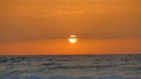 Sobre o nascer do sol do mar imagens de stock