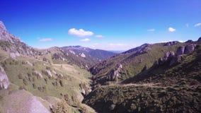 Sobre paisaje de la montaña metrajes