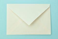 Sobre postal simple. Imagenes de archivo