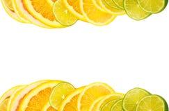 Sobrecarga da vitamina C, pilhas de fruta cortada Imagens de Stock