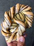 Sobremesa alemão da pastelaria do bolo doce feita com massa da massa folhada e da avelã Imagens de Stock