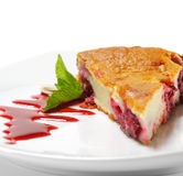 Sobremesa - bolo das cerejas Imagem de Stock Royalty Free