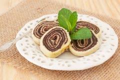 Sobremesa brasileira do chocolate de rolo do Bolo (rolo suíço, bolo do rolo) Foto de Stock Royalty Free