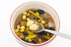 Sobremesa chinesa, feijões sortidos no xarope do Longan Imagens de Stock Royalty Free