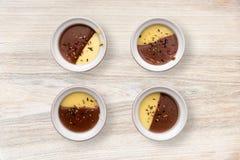 Sobremesa cremosa da baunilha e do chocolate Fotografia de Stock Royalty Free