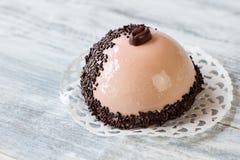 Sobremesa da meia esfera com crosta de gelo Fotografia de Stock