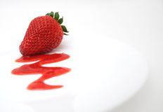 Sobremesa da morango imagem de stock