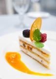 Sobremesa de Cassata na tabela do restaurante Imagens de Stock Royalty Free