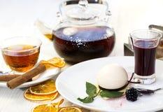 Sobremesa de creme Imagens de Stock