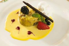 Sobremesa de luxe da morango Foto de Stock Royalty Free
