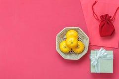 Sobremesa del Año Nuevo chino de los accesorios y del día de fiesta lunar de la decoración Imagenes de archivo