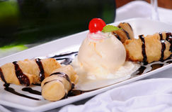 Sobremesa do gelado fotografia de stock royalty free