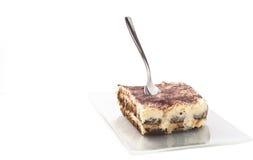 Sobremesa do Tiramisu isolada no branco Imagem de Stock
