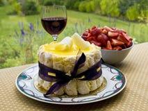 Sobremesa do verão com vinho Imagens de Stock