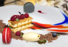Sobremesa doce decorada deliciosa, moderna Imagens de Stock Royalty Free