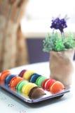 Sobremesa dos bolinhos de amêndoa no café Imagens de Stock