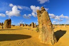 A sobremesa dos pináculos famosa para suas formações de rocha da pedra calcária Fotos de Stock Royalty Free