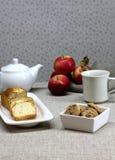 Sobremesa e chá Fotos de Stock Royalty Free