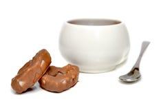 Sobremesa e chávena de café Fotografia de Stock Royalty Free