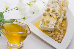 Sobremesa festiva em uma placa branca Fotografia de Stock