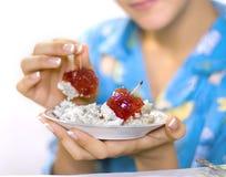 Sobremesa para um pequeno almoço para a menina. Fotografia de Stock Royalty Free