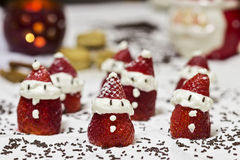 Sobremesa Santa Claus Strawberries imagens de stock royalty free