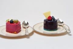 Sobremesas da framboesa e do chocolate Fotos de Stock Royalty Free