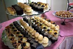 Sobremesas da pastelaria Fotos de Stock