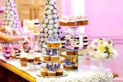 Sobremesas doces apetitosas saborosos Fotos de Stock
