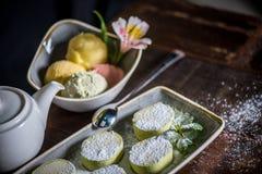 Sobremesas e chá Imagens de Stock Royalty Free