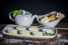 Sobremesas e chá Fotografia de Stock Royalty Free