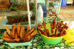 Sobremesas populares da rua nas Filipinas foto de stock royalty free
