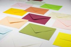 Sobres coloridos imagen de archivo libre de regalías