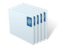 Sobres del email empilados en Inbox Imagen de archivo