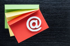 Sobres del icono de Internet del símbolo del correo electrónico Fotografía de archivo