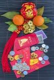 Sobres rojos por Año Nuevo chino feliz fotos de archivo libres de regalías