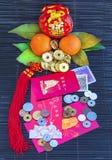 Sobres rojos por Año Nuevo chino feliz imágenes de archivo libres de regalías