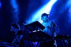 Sobreviva à faixa da música eletrônica executam no concerto no som 2017 de primavera fotografia de stock