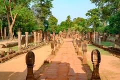 Sobreviva das ruínas do templo velho do templo Banteay Srei, Camboja imagens de stock royalty free