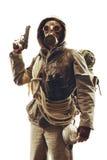 Sobrevivente apocalíptico do cargo na máscara de gás imagens de stock