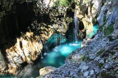 Soca河Velika Korita -国家公园特里格拉夫峰,斯洛文尼亚的伟大的峡谷 库存图片