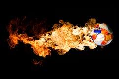 Soccerball in den Flammen Stockfotografie