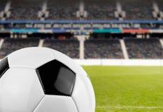 Soccerball på stadion Arkivbild